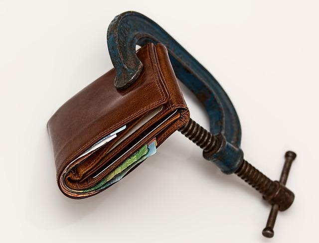 utahování peněženky