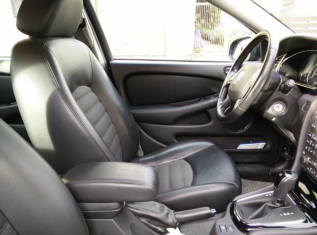 kožený interiér vozu