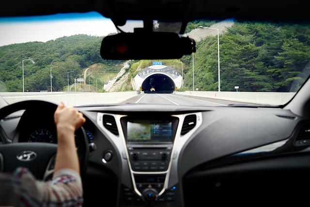 tunel na dálnici