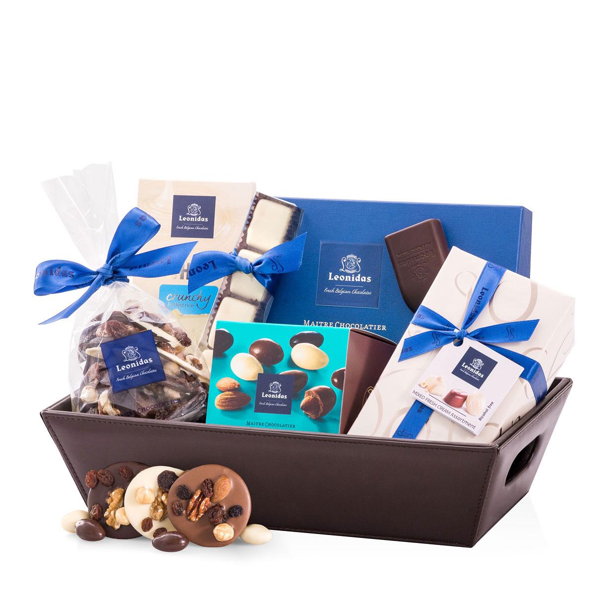 leon000094_01_leonidas-chocolates-blue-gift-basket